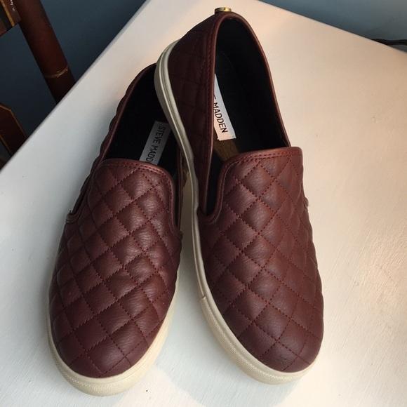 a46790363389 Steve madden ECENTRCQ maroon slip on sneakers. M 5a64bdac2ab8c50c4239028d